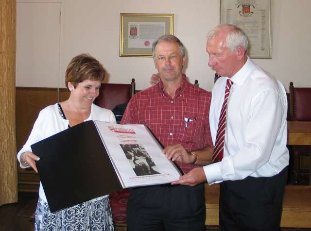 Presentation to Richard & Michelle Wyatt